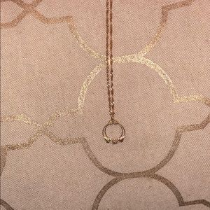 Jewelry - Rose gold circle flower necklace